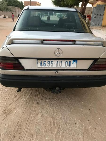 Mercedes 250 moteur arrivage 4 cylindres